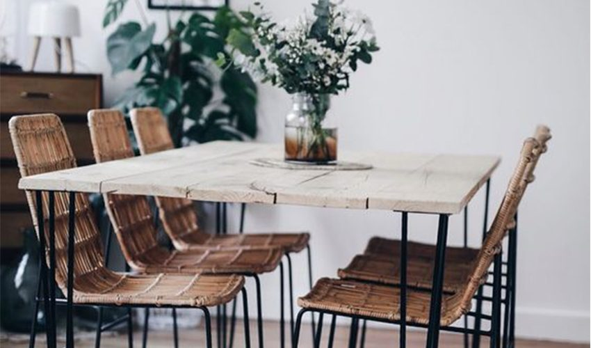 muriel-janssoone-decoratrice-grenoble-table-bois-brut